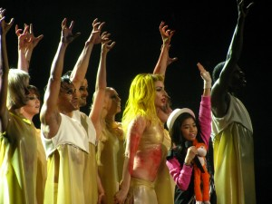 Lady_Gaga_and_Maria_Aragon_02